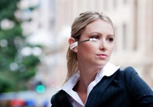 Vuzix Smart Glasses M100 вид на человеке