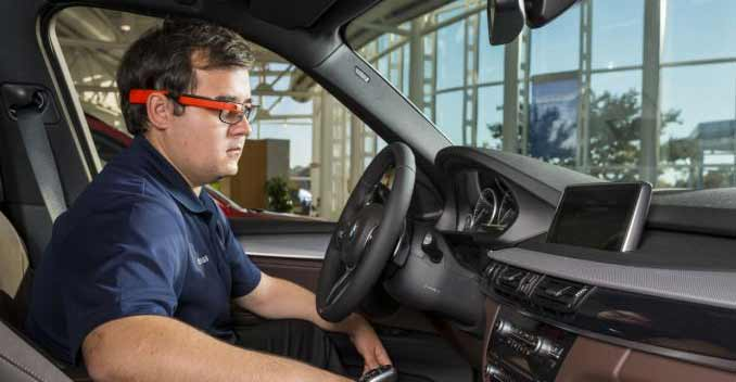 BMW-use-of-Google-Glass-for-quality-assessment