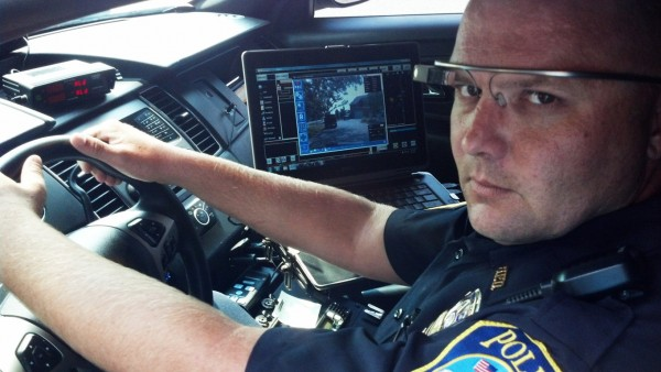 Crime-fighting-with-Google-Glass-help