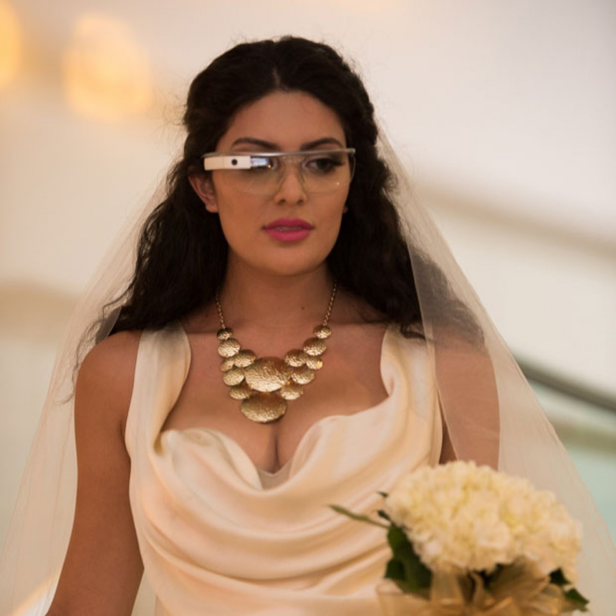 Do-Google-Glass-fit-the-bride
