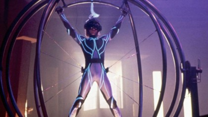 Five-laws-of-virtual-reality-according-to-Lawnmower-Man