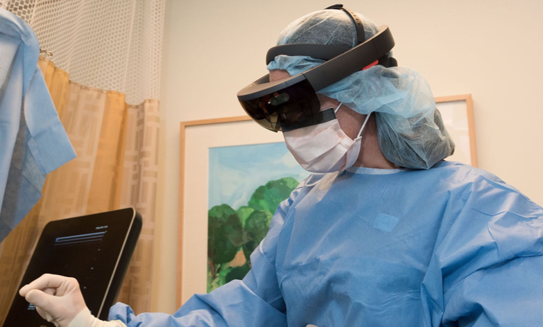 hololens-as-visualization-aid-for-spinal-surgery