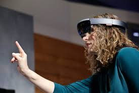 How-HoloLens-learns-from-Google-Glass