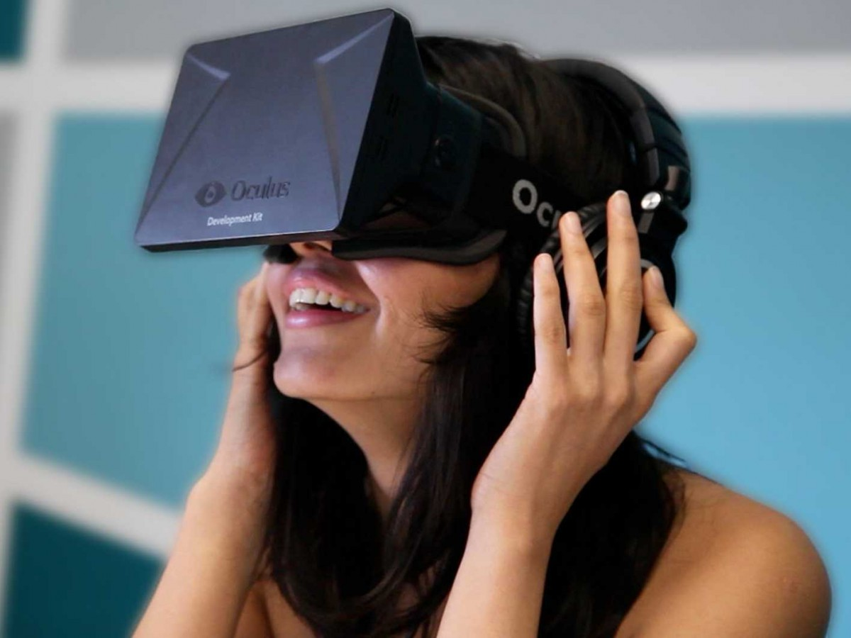In-the-new-version-of-Steam-from-Valve-has-added-support-for-external-camera-Oculus Rift-i-look.net