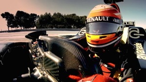 Lotus-introduced-the-concept-of-the-use-of-AR-helmet-in-Formula-1-i-look.net