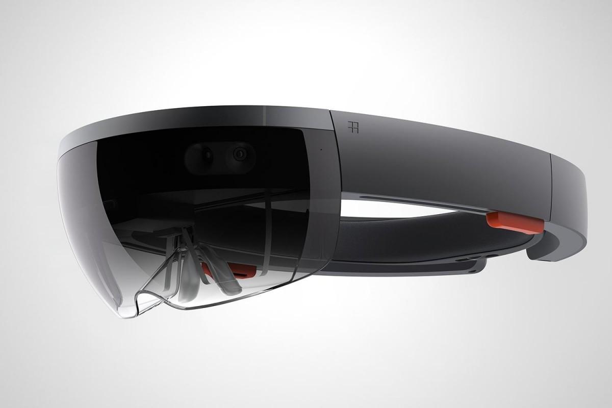 Microsoft-HoloLens-perect-augmented-reality