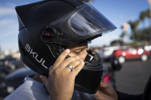 Now-you-can-pre-order-the-helmet-Skully-AR-1-i-look.net