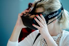 Oculus-starts-pre-orders-for-VR-headsets-in-Europe,-Canada
