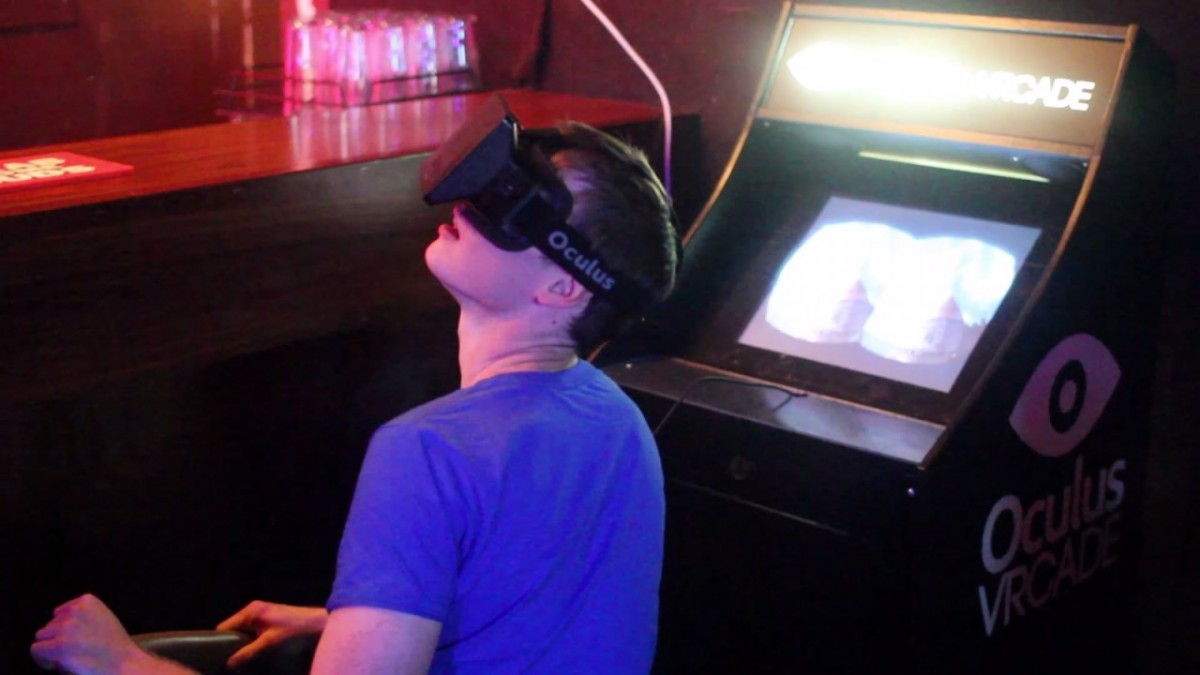 Perfect-combination-of-Oculus-Rift-with-alcohol