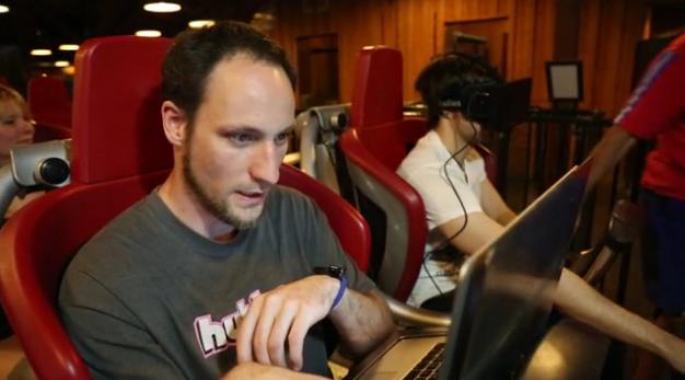 Professor-of-German-improved-roller-coaster-using-Oculus-Rift-i-look.net