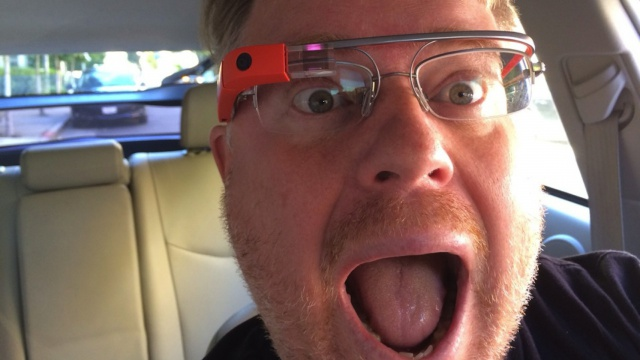 Scientists-Google-Glass-dangerous-driving-but-not-so-much-as-a-smartphone-i-look.net