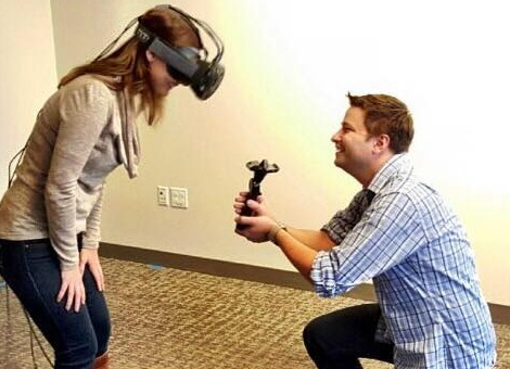 Valve-employee-proposed-to-her-gitl-frirend-in-virtual-reality