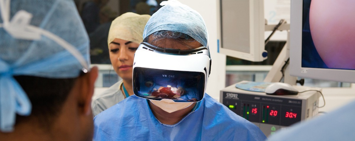 dr-shafi-ahmed-about-virtual-and-augmented-reality-in-surgery